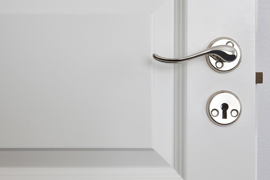 traditonal-door-lever-handles-1